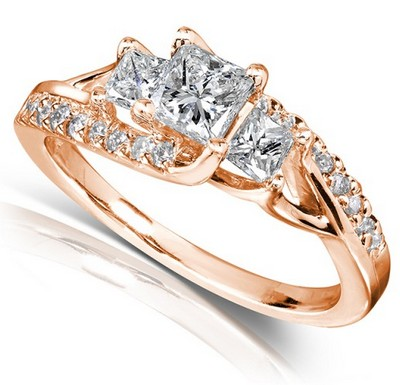 princess-cut-rose-gold-engagement-rings